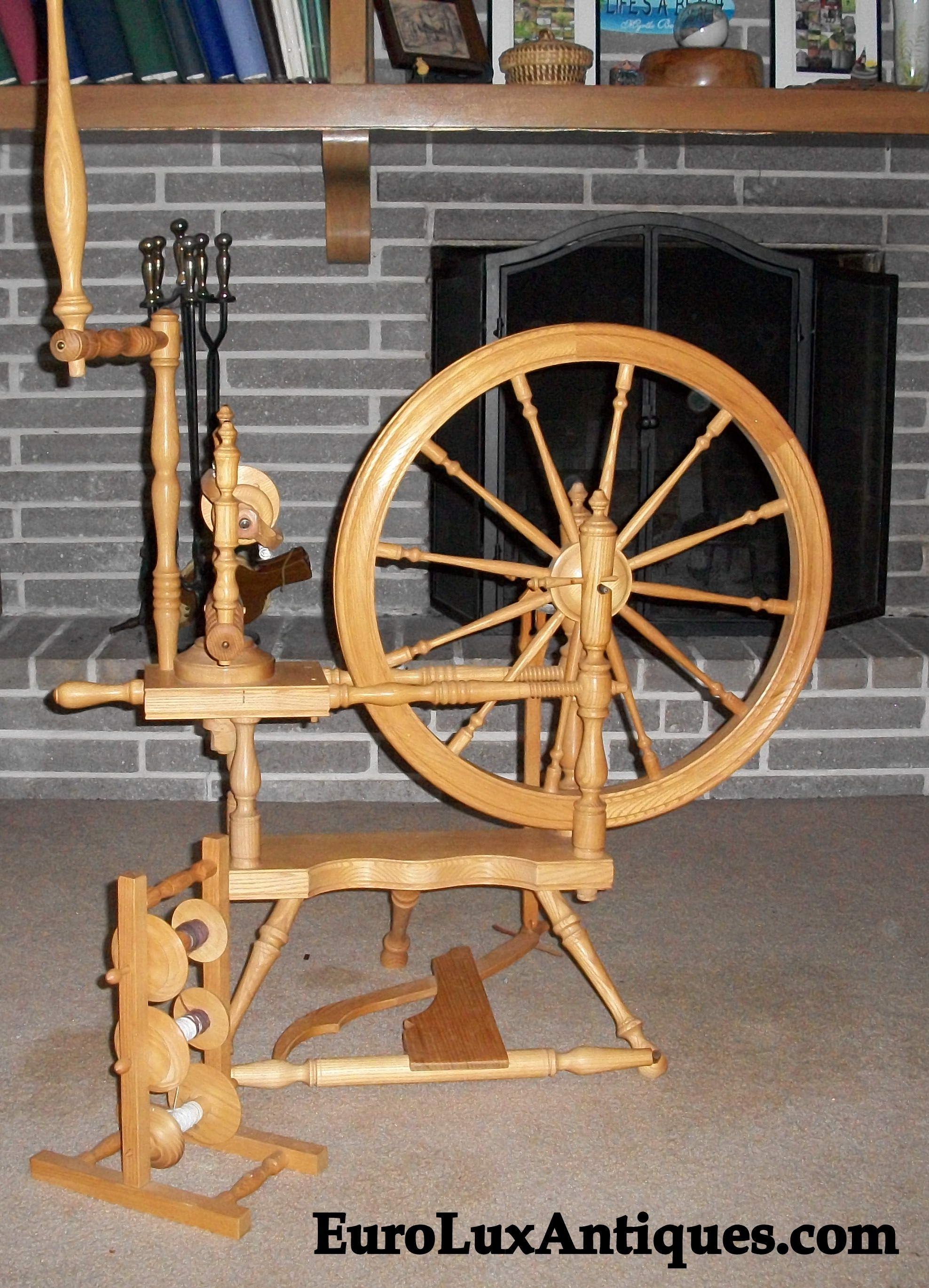 Vintage Norwegian Thy Roc  spinning wheel, circa 1980.