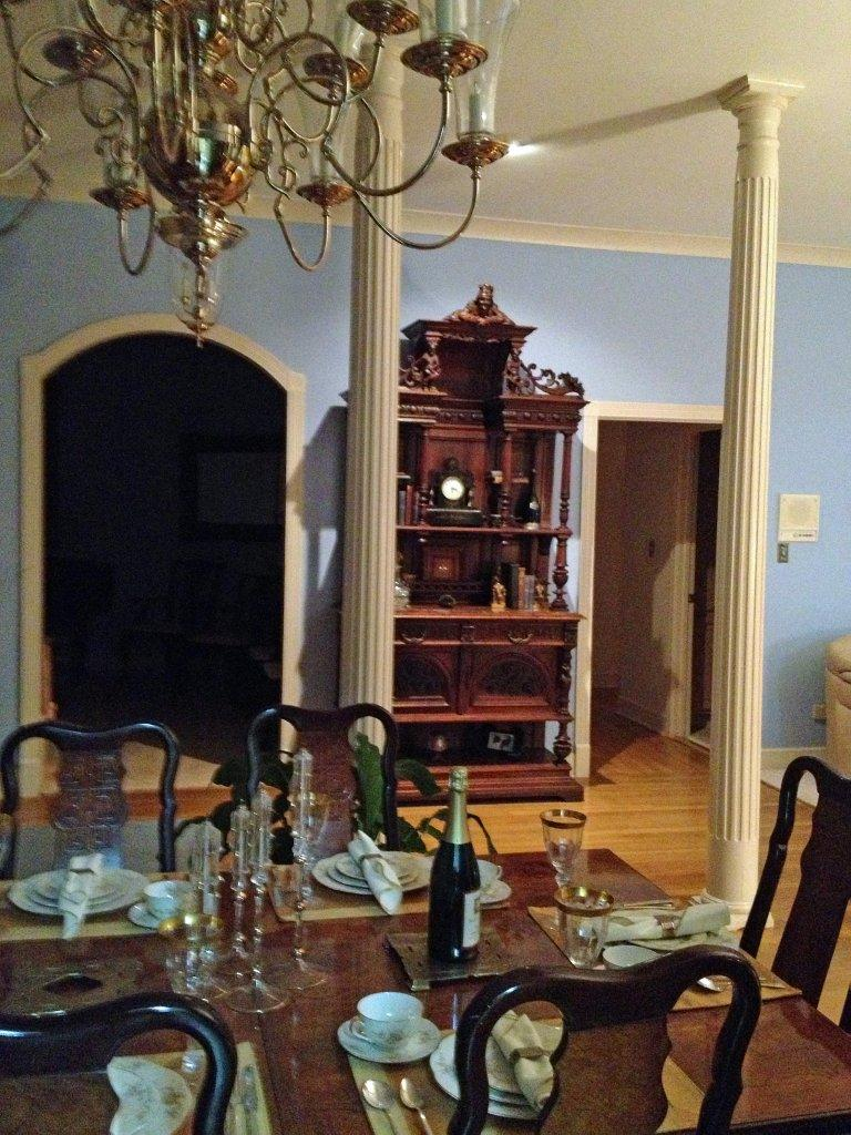 Dining room eclectic decor