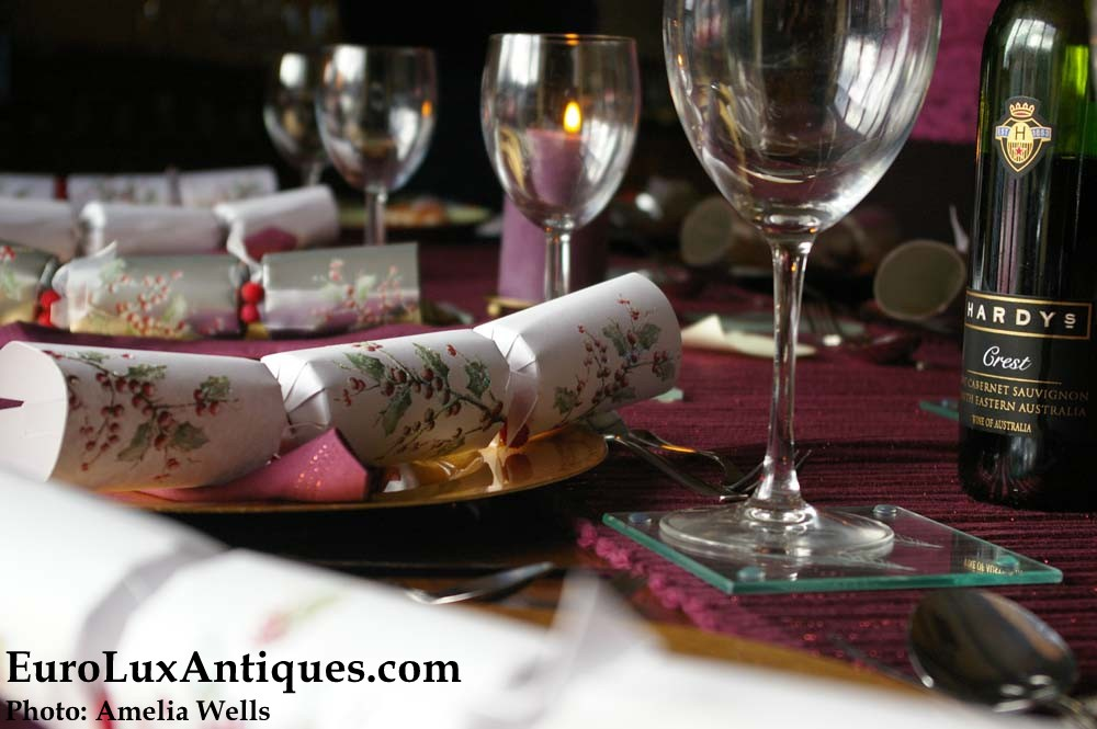 Old World Christmas traditions: Christmas crackers