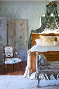 traditional-bedroom French style